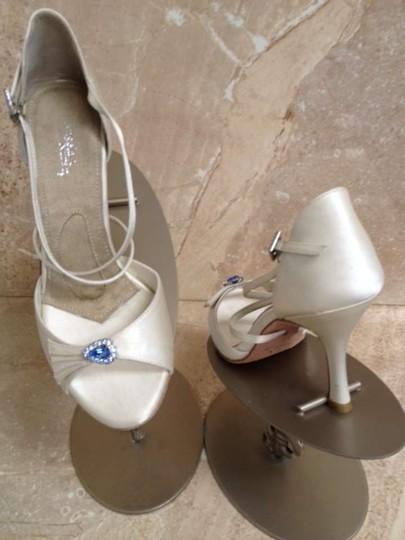 Angela Nuran  Ivory Fancie Sandals