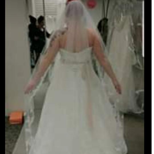 David's Bridal  Ivory. Lace Jewel Feminine Wedding Dress