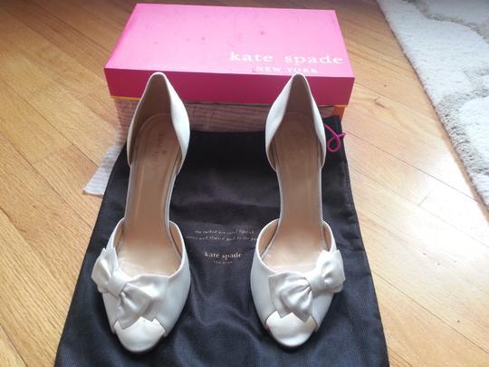 Kate Spade  Ivory Shalyn Gold Glitter Heel Pumps