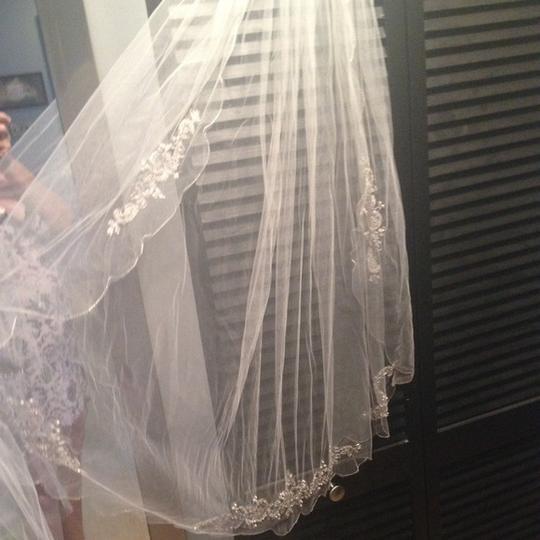 Vera Wang  White Medium Scalloped Edge Vwg3121 Bridal Veil